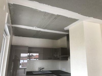 plafond-tendu-polyester-blanc-mat-salon-cuisine-bennwhir-9