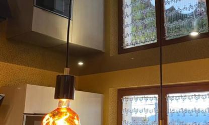 Un plafond tendu dans une cuisine dans le DOUBS (DUNG)
